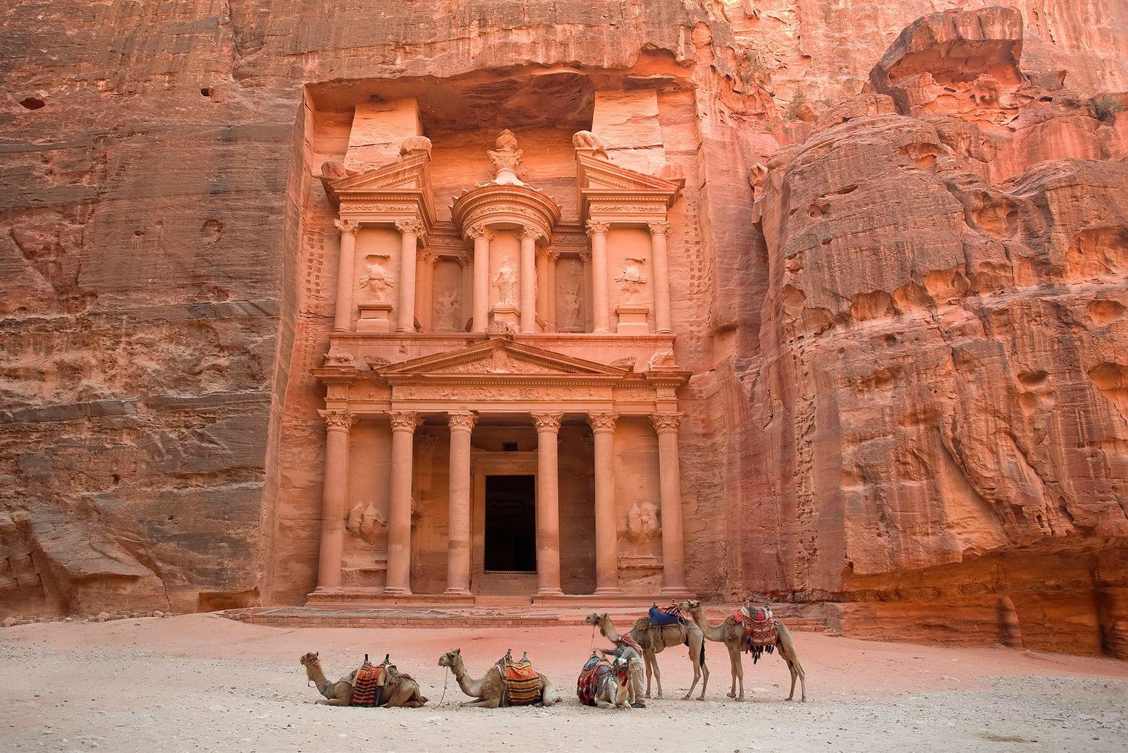 El 85% de la ciudad de Petra permanece bajo tierra e intacta | National  Geographic