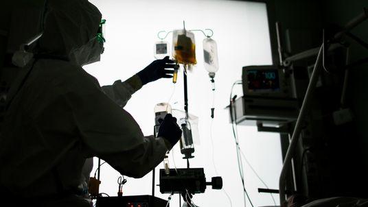 ¿Funciona el plasma de convalecientes como tratamiento de la COVID-19?