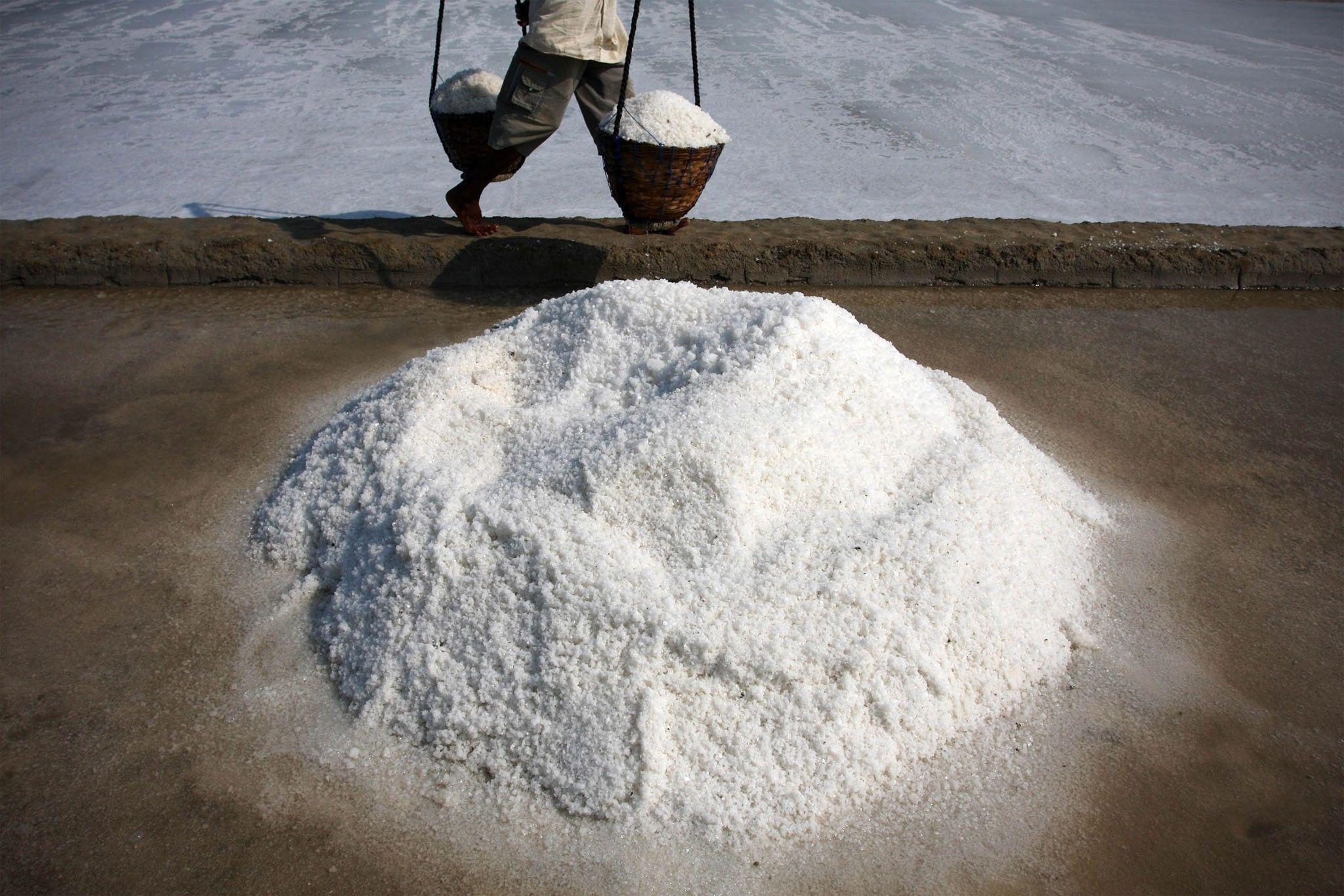 Hallan microplásticos en el 90 por ciento de la sal de mesa