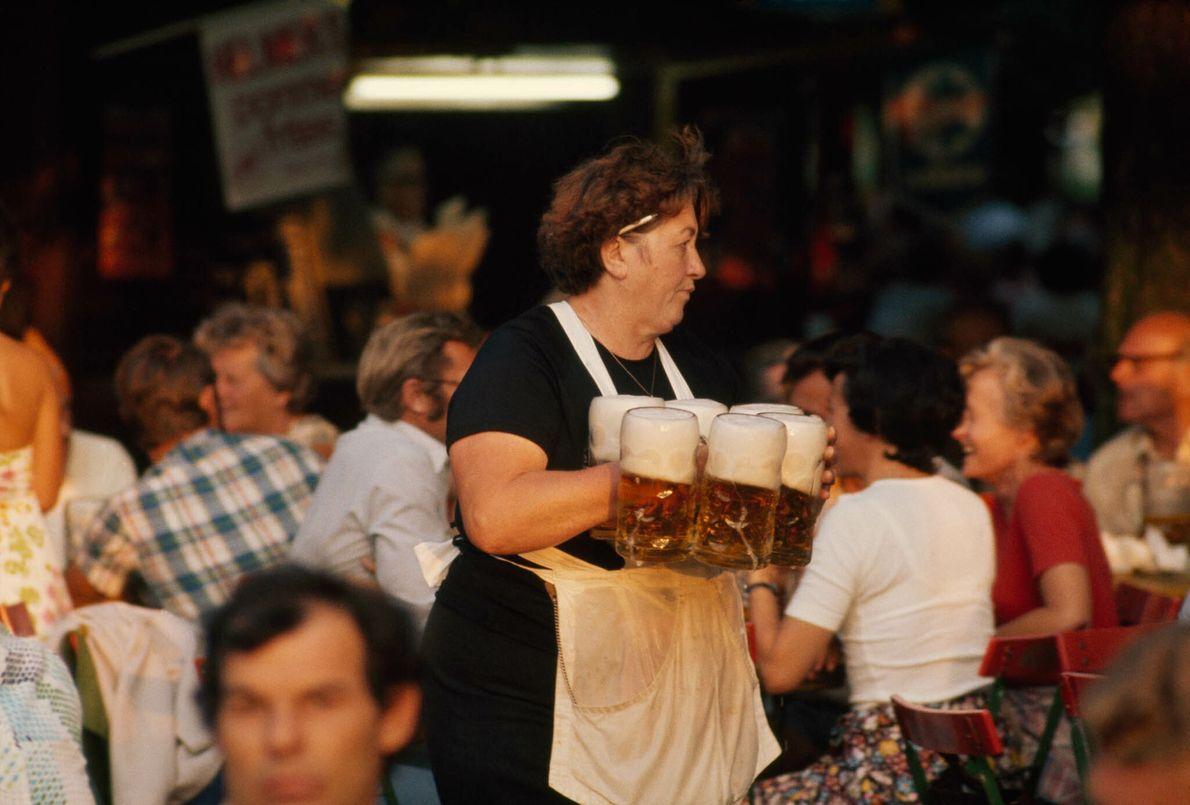 Cervecería al aire libre en Múnich