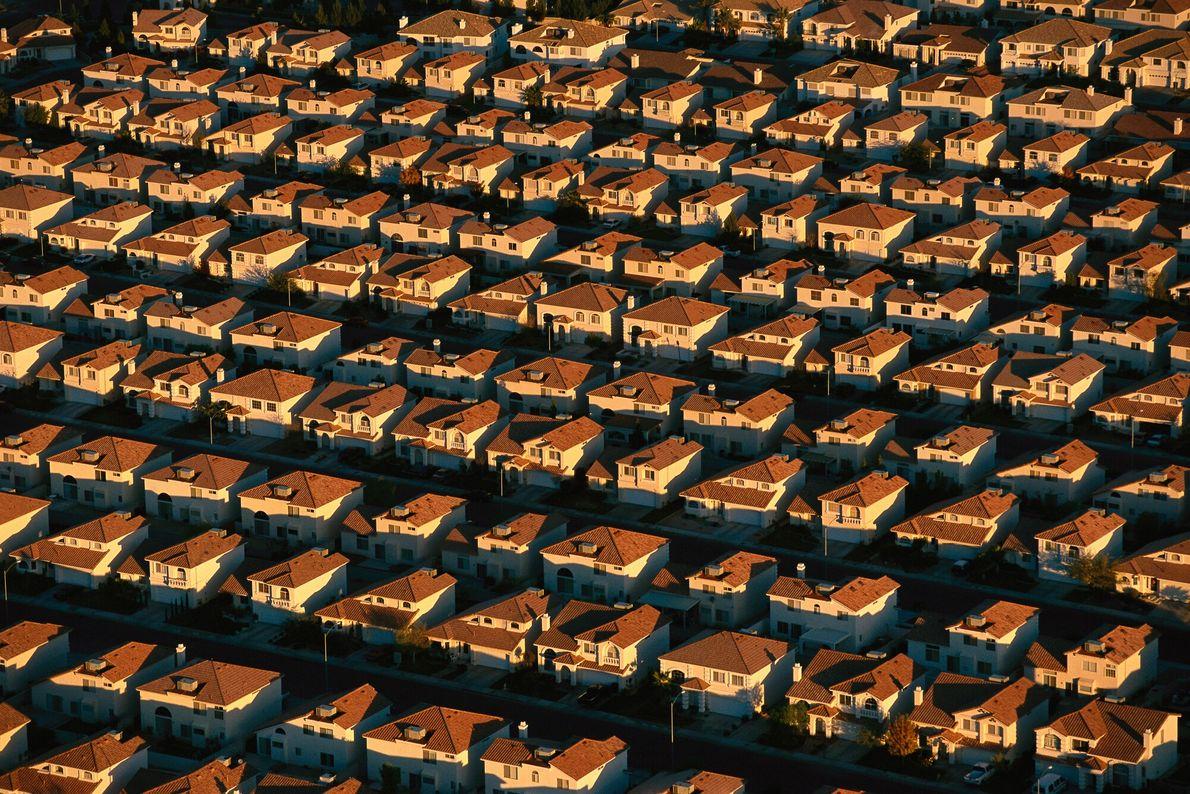 Imagen de hileras de casas idénticas en Las Vegas
