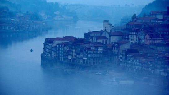 Imagen de la ciudad de Oporto, Portugal, en la desembocadura del río Duero