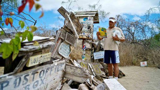 Sin sellos, sin buzón: esta es la inusual oficina de correos de las Galápagos