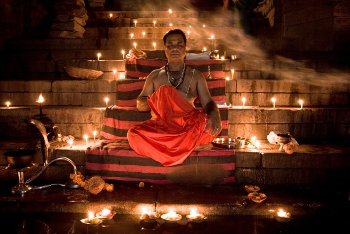 Un sacerdote brahmán