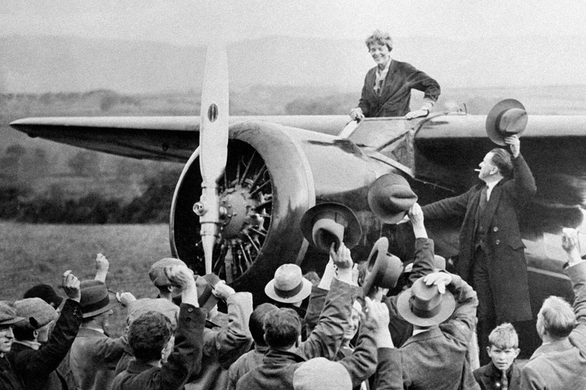 Amelia Earhart: la aviadora que surcó los cielos y la sociedad de su época