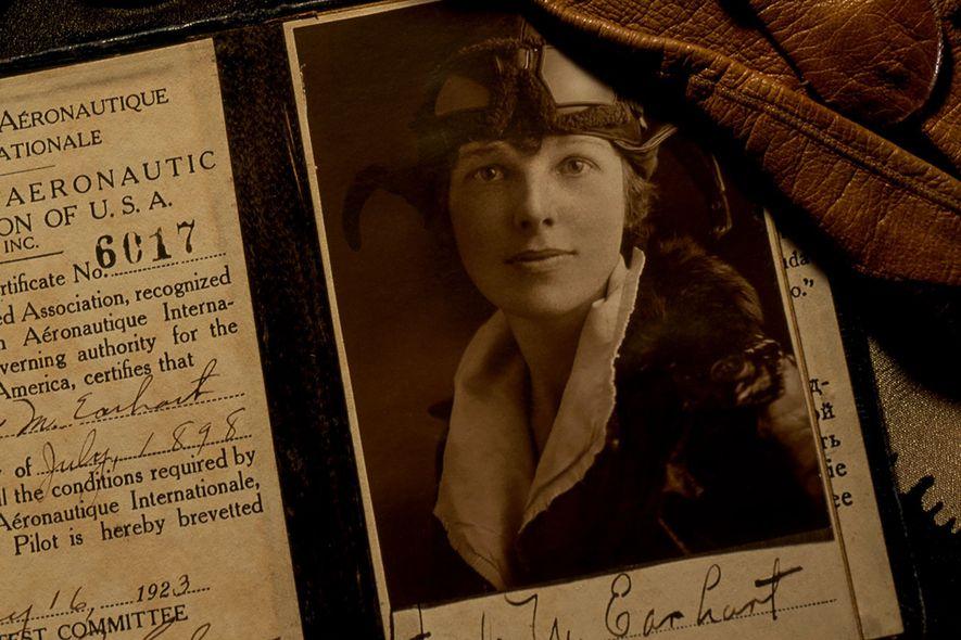 ¿Por qué nos sigue fascinando Amelia Earhart?