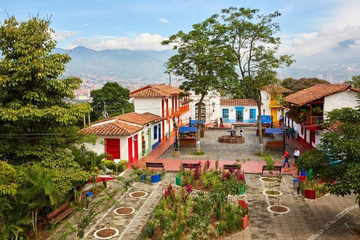 Pueblito Paisa, Medellín