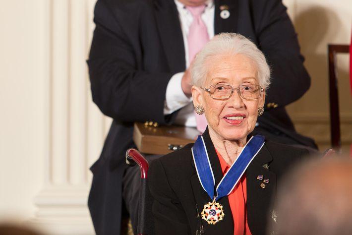 Katherine Johnson recibe la Medalla Presidencial de la Libertad