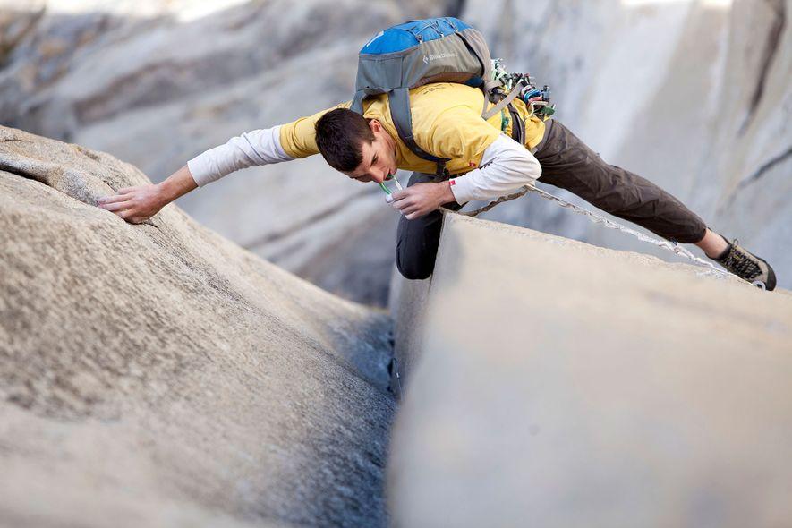 Alex Honnold escala «The Nose», en El Capitán, parque nacional de Yosemite, California.