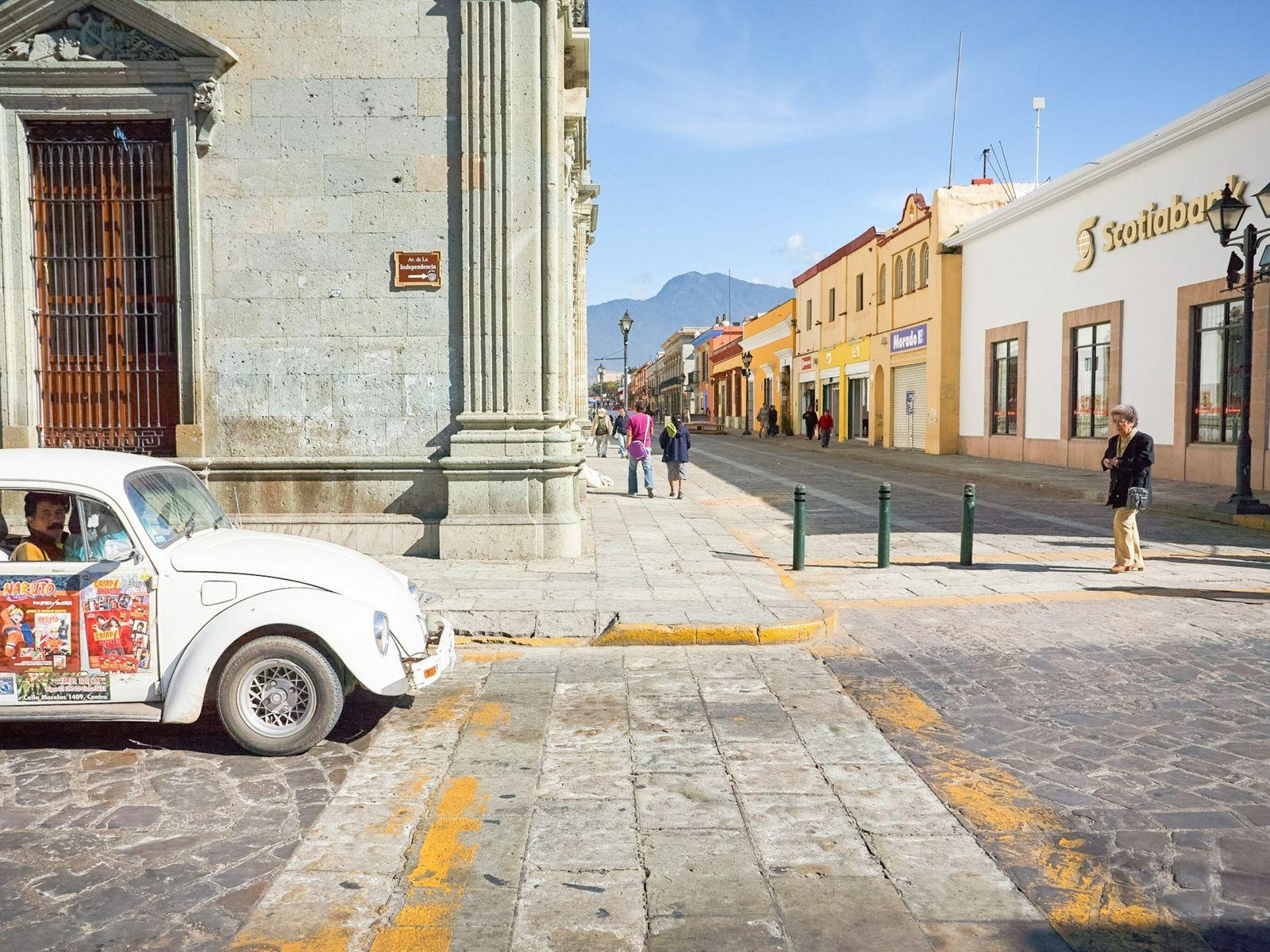 Fotografía de un Volkswagen Escarabajo en Oaxaca