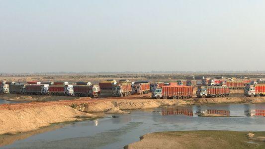 El peligroso mundo de la mafia de la minería de arena de la India