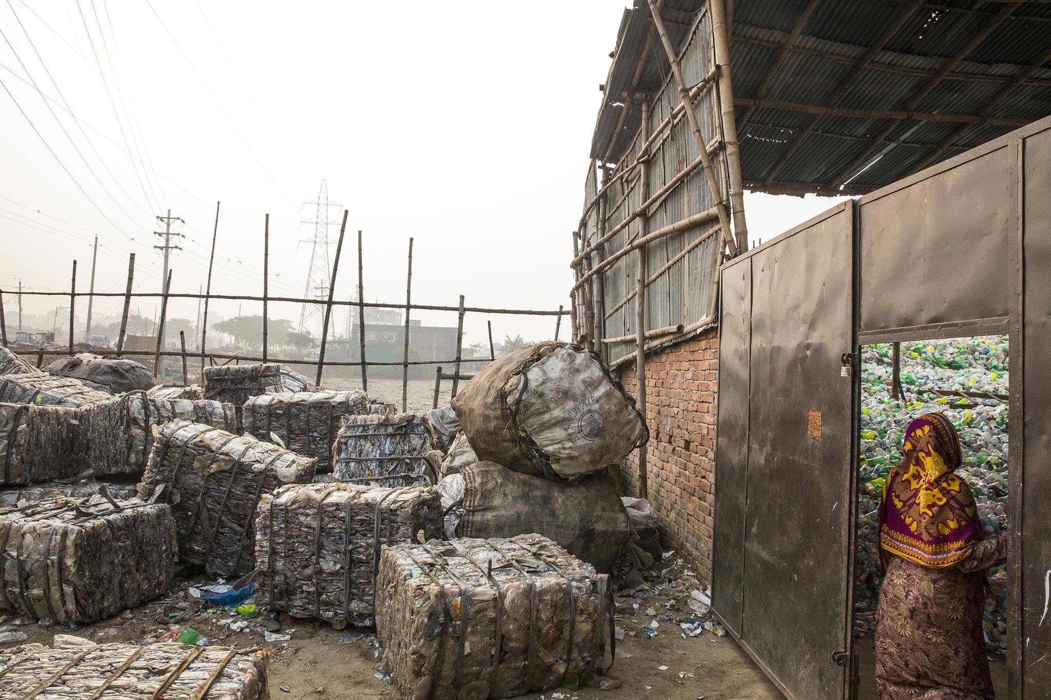 Shipping-plastic-waste-un