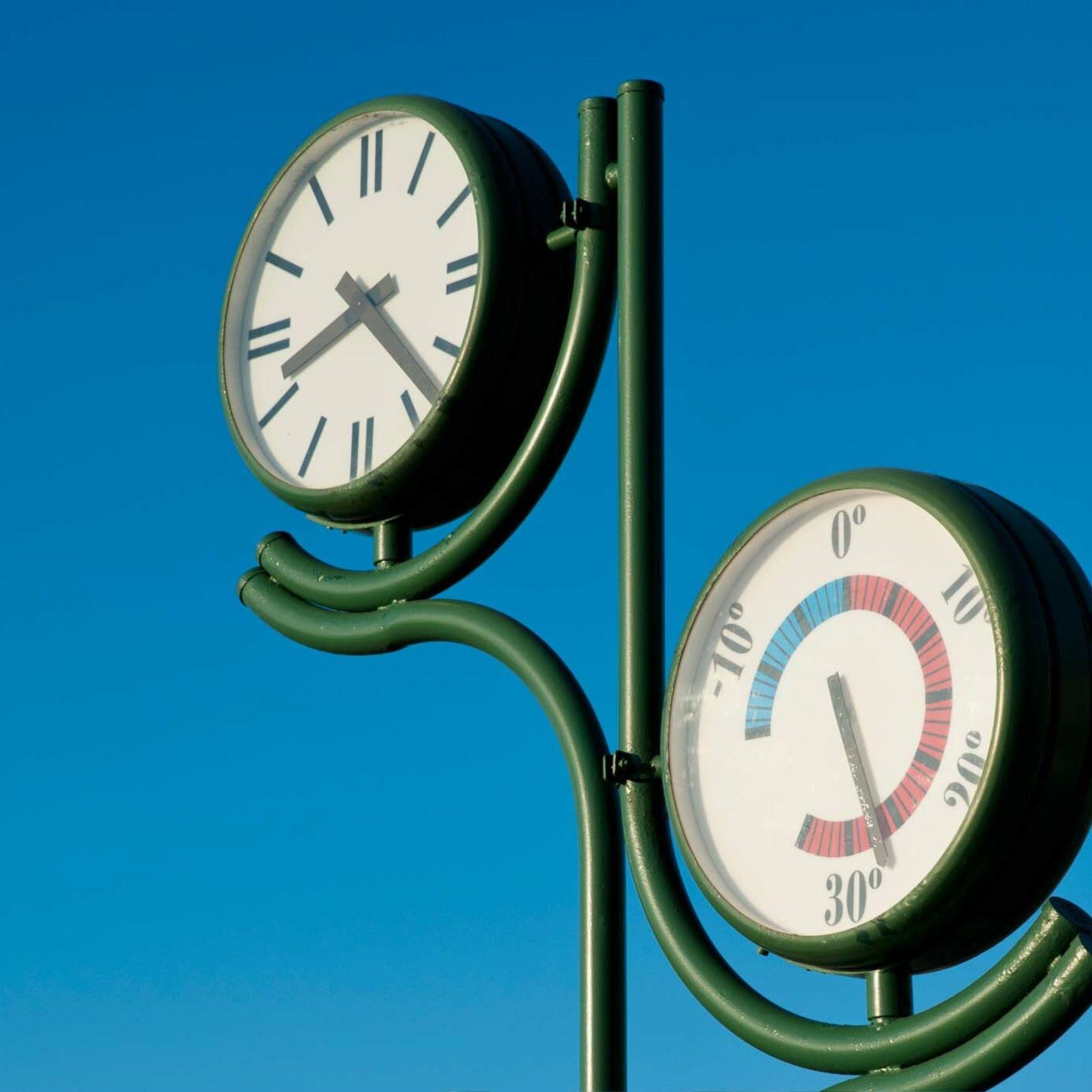 La red de medición meteorológica de España cuenta con unas 2000 estaciones repartidas por todo el ...