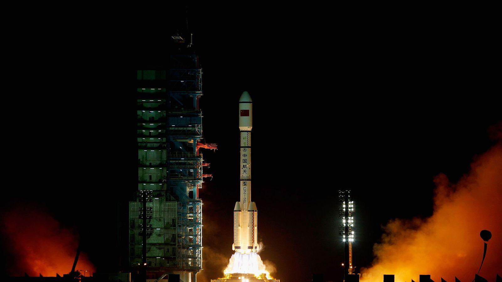 Un cohete Larga Marcha 2F