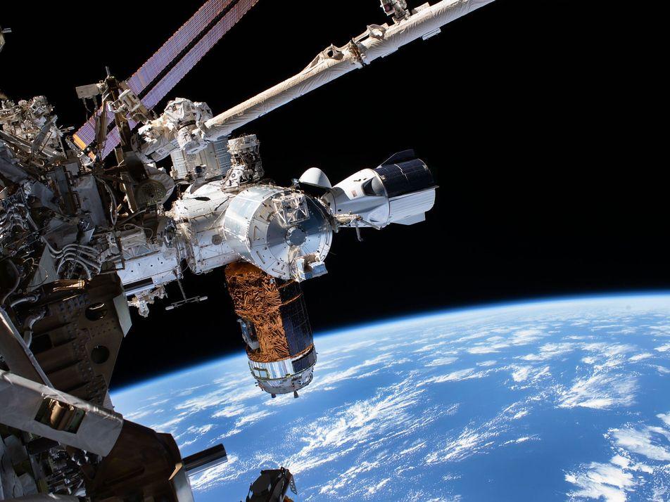 Dos astronautas de la NASA regresan a la Tierra en la cápsula SpaceX: así fue su ...