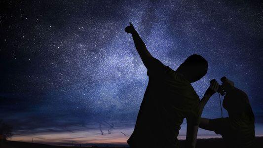¿Necesitas una nueva idea para entretener a los niños? Prueba a observar las estrellas