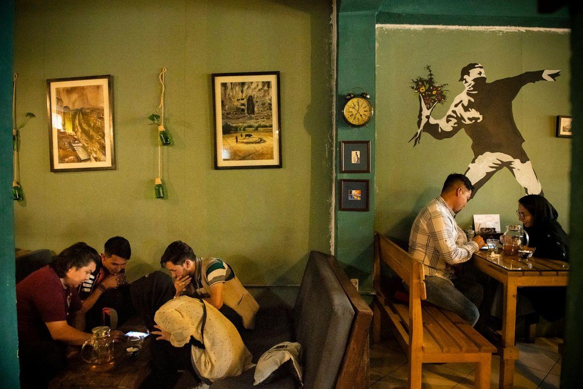 La fiebre de los cafés de Kabul