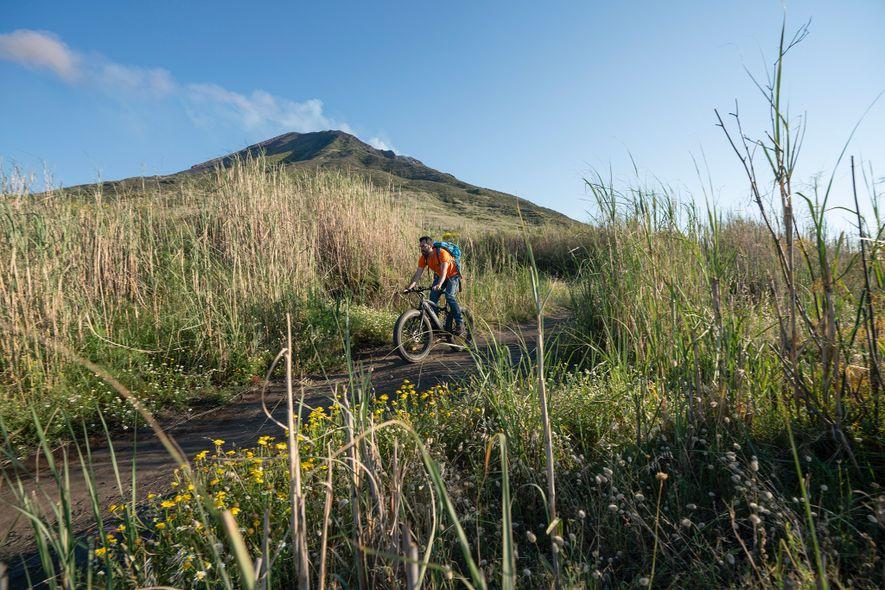El ciclismo es una de las muchas formas de explorar el Estrómboli durante todo el año.