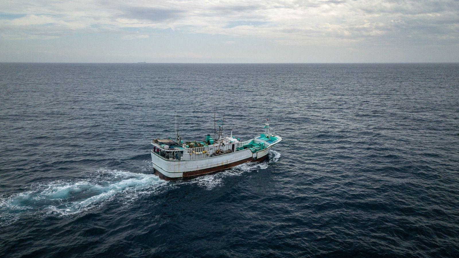 Fotografía de un buque pesquero taiwanés
