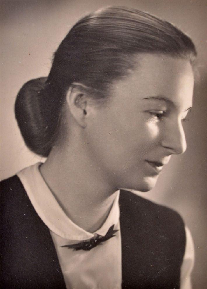 Teresa Romanowska de joven