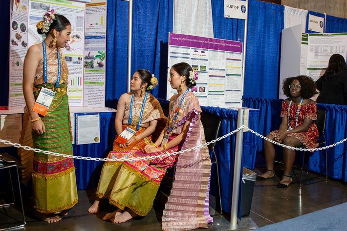 Alumnas tailandesas