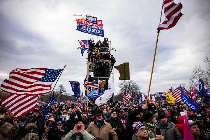 Los trumpistas asaltan el Capitolio