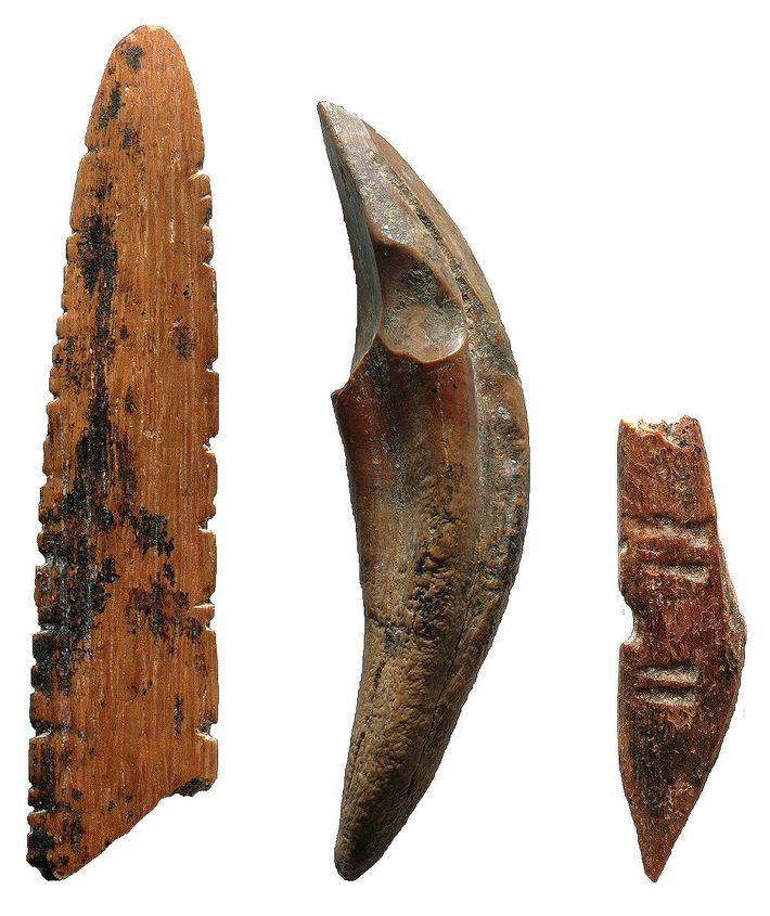 Herramientas hechas de hueso y dientes
