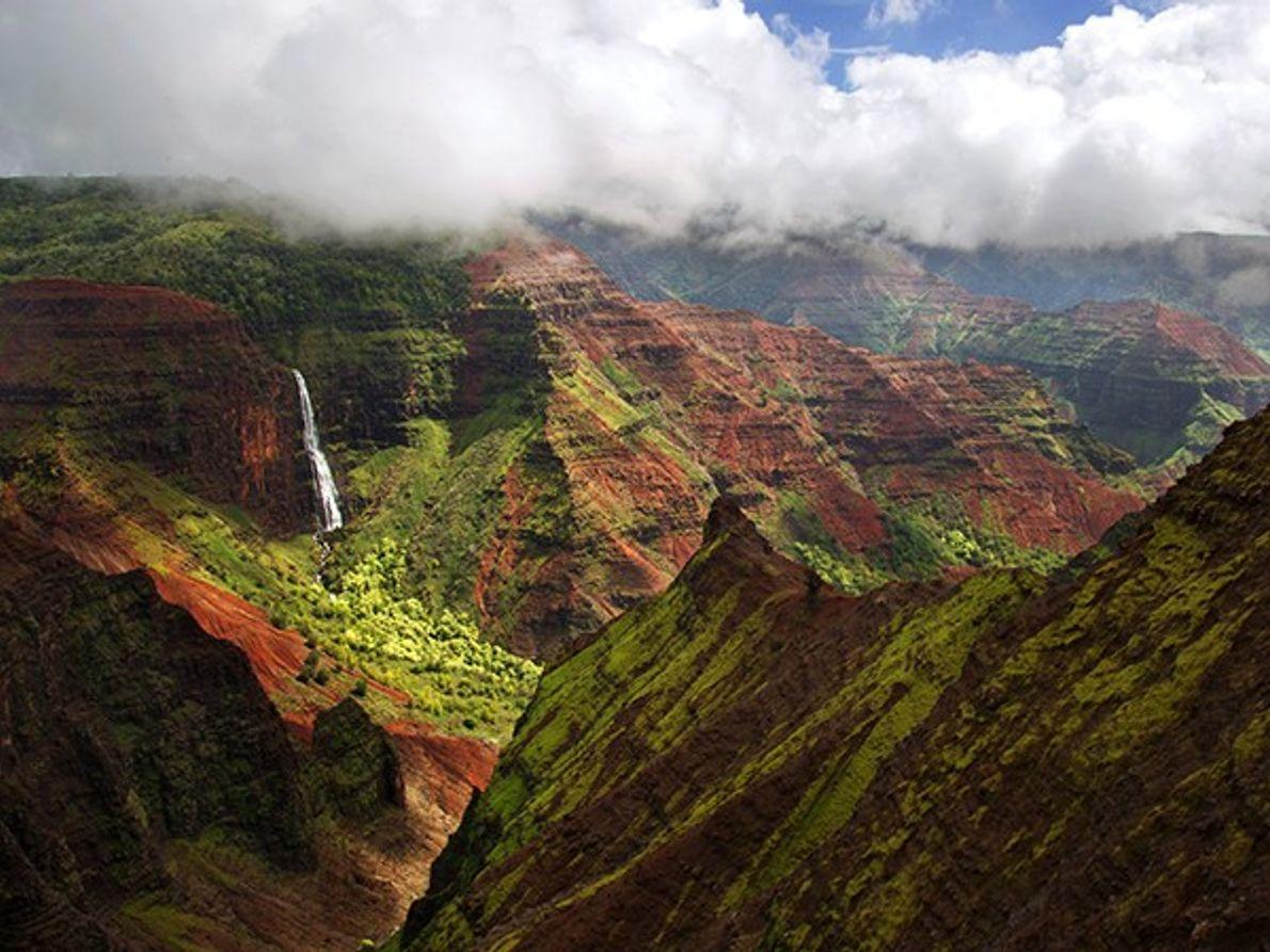 Camina por el Gran Cañón del Pacífico en Kauai