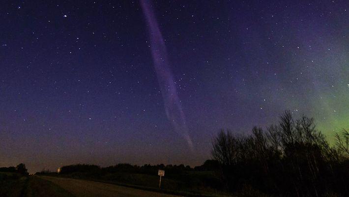'Este halo de luz púrpura se llama STEVE y es un nuevo tipo de aurora