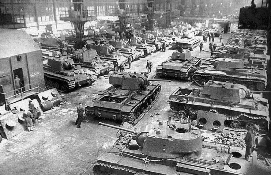 Fábrica de carros de combate pesados KV-1 en Chelyabinsk.