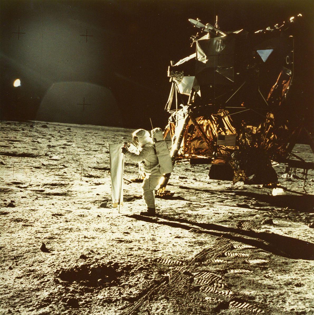 El astronauta Neil Armstrong sacó esta foto de Buzz Aldrin durante la misión de la Apolo ...