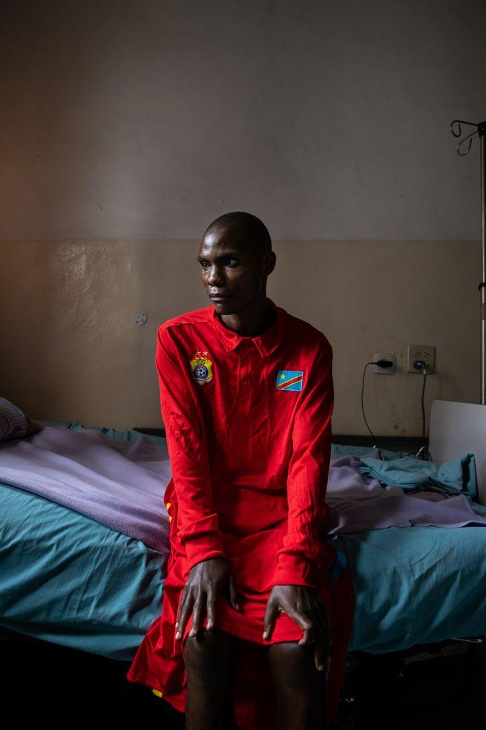 Faustin Gakuru se recupera de heridas de bala