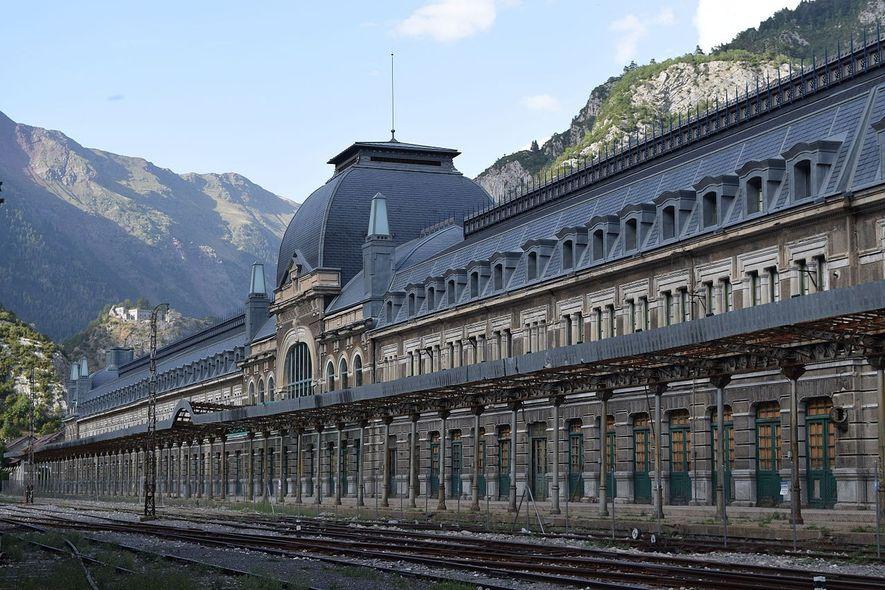 Revive la estación abandonada de Canfranc, clave en la Segunda Guerra Mundial