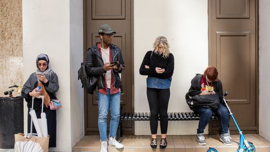 Los smartphones revolucionan nuestras vidas, pero ¿a qué precio?