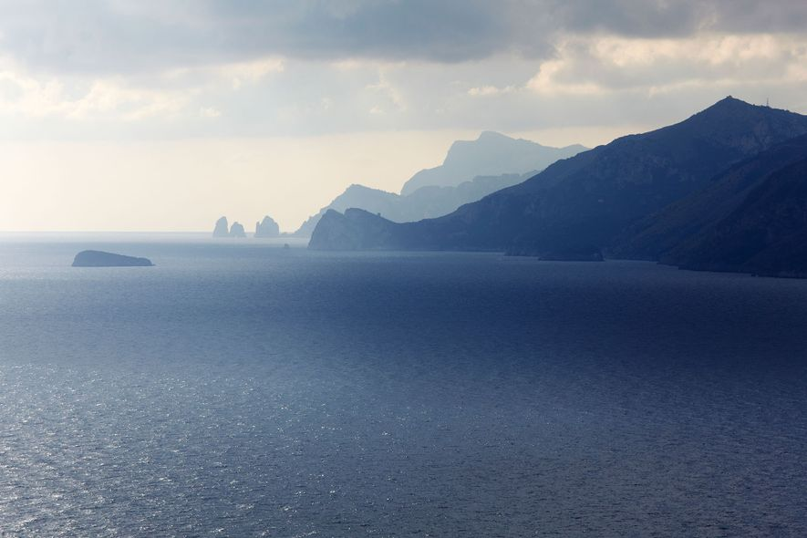 La costa Amalfitana se extiende de Positano a Nápoles.